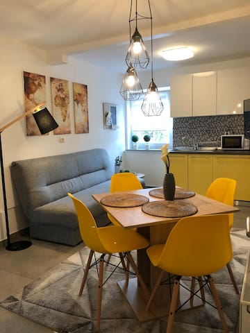 Deluxe apartment Park for 1-6 people and parking