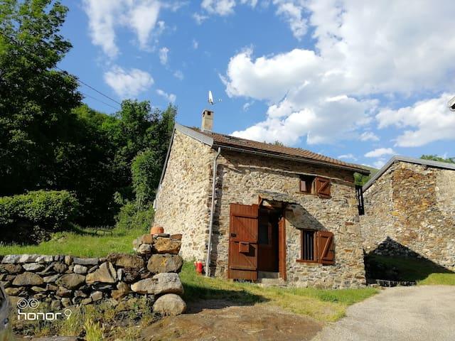 Perles-et-Castelet的民宿