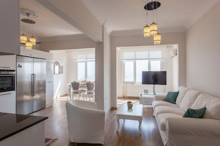 Sultanahmet Sunny Apartment with sea view