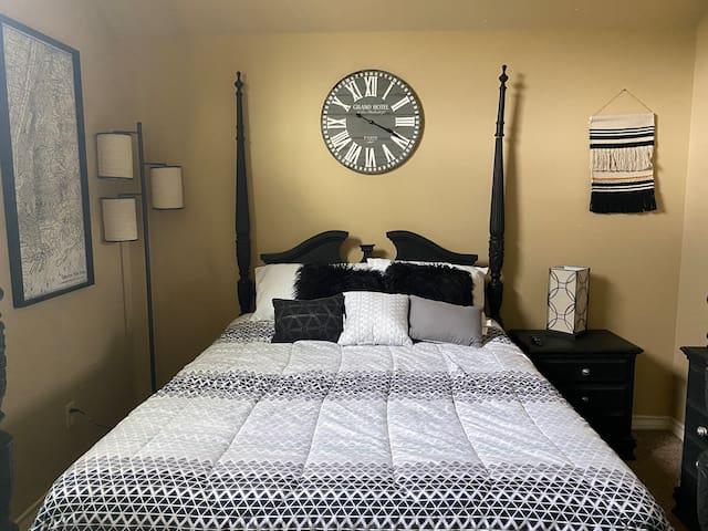 Convenient, Comfy, Spacious, and Quiet Bedroom