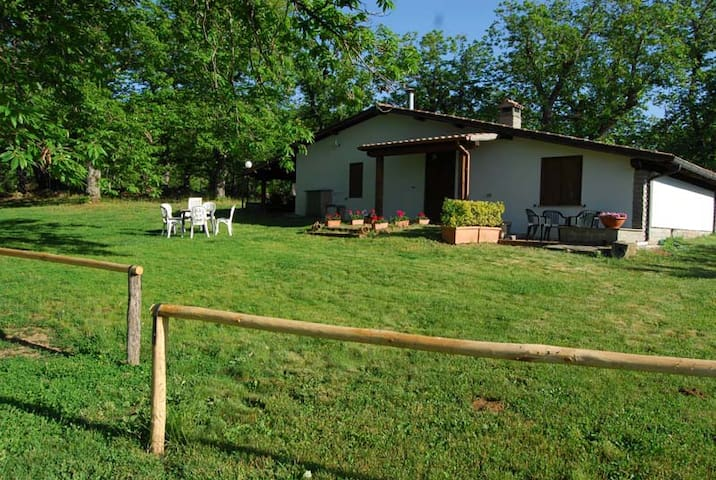 """Country House """"Il Castagneto"""""""