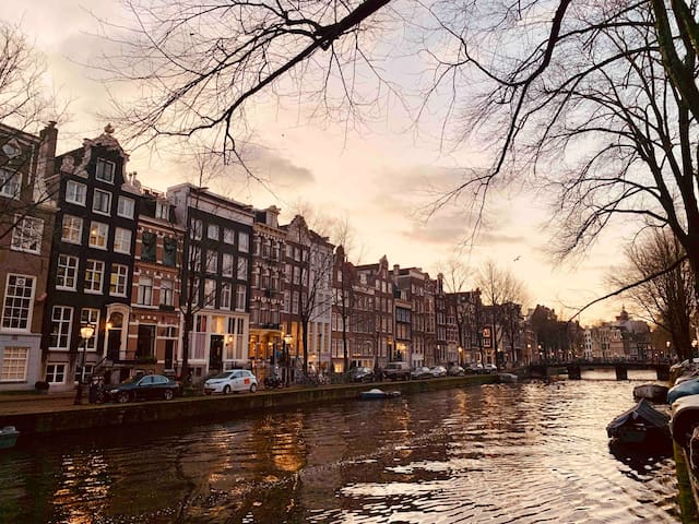 Superb Canal studio-Historic center-Great location