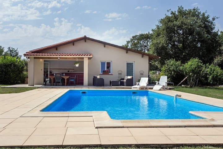 Jolie maisonnette 50m2 avec piscine