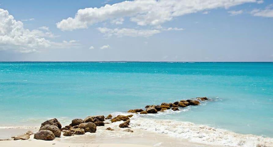 Caicos Islands的民宿