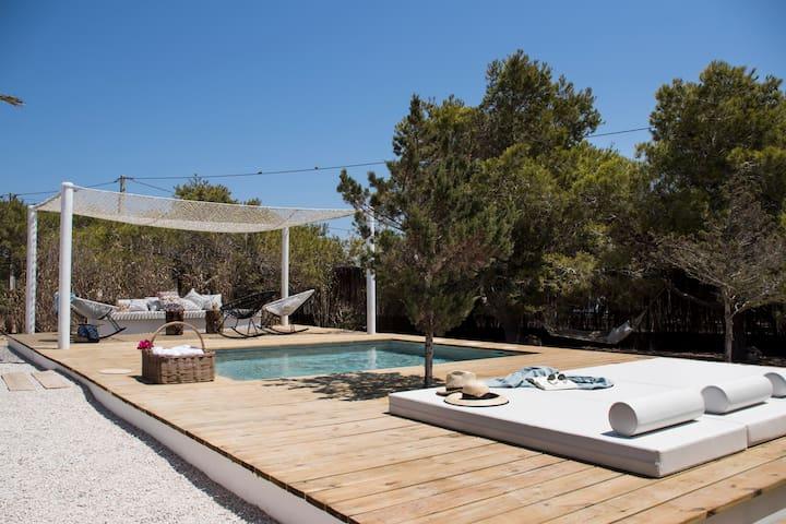 Villa exclusiva con piscina privada
