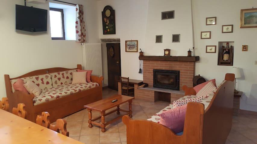 Montalto Dora的民宿