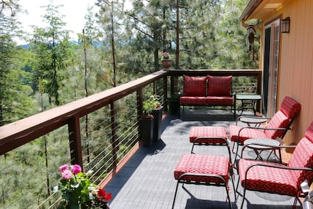 UV sterilized! Boutique home 7 min from downtown