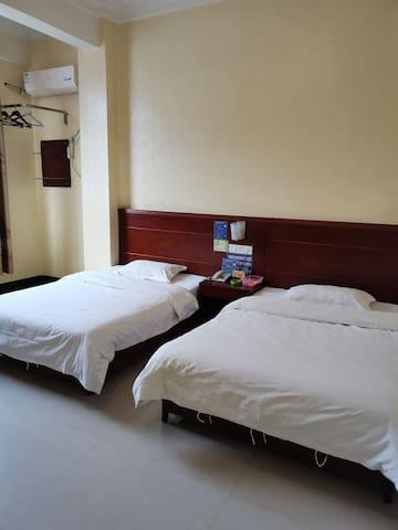 广西河池都安,金源宾馆 双床房