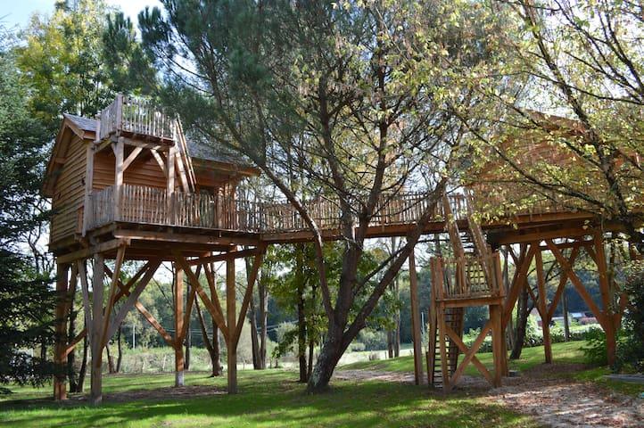 Cabane dans les arbres Palombière