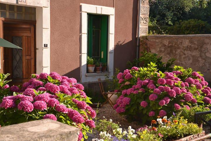 Embres-et-Castelmaure的民宿