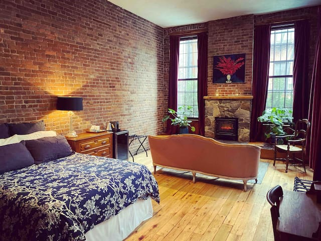Yoga Loft, Patio & Fireplace in TownHouse ⭐️⭐️⭐️⭐️⭐️