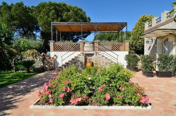 Giardini Naxos的民宿