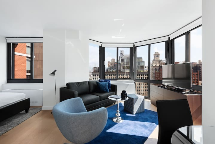 Tribeca Studio with Great Views