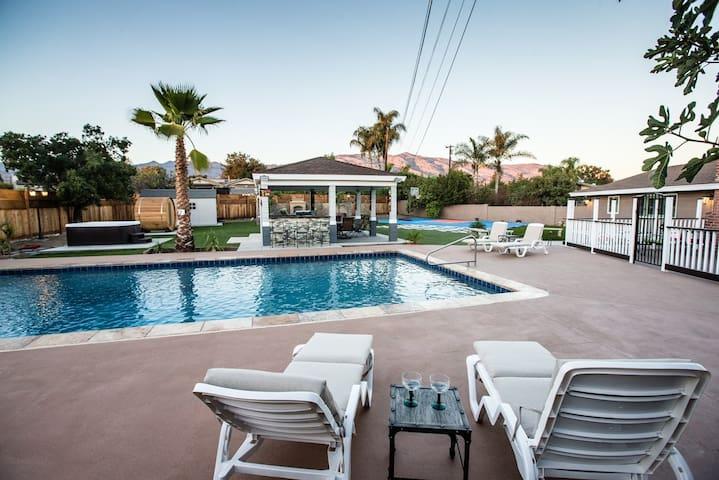Outdoor Oasis w/ Pool, Sauna, Jacuzzi, Sport Court