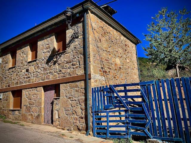 San Miguel de Langre的民宿