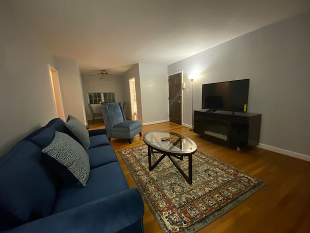 Just listed - 2 Bedroom Condo minutes from DCA