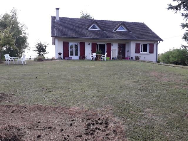 Maizières-la-Grande-Paroisse的民宿