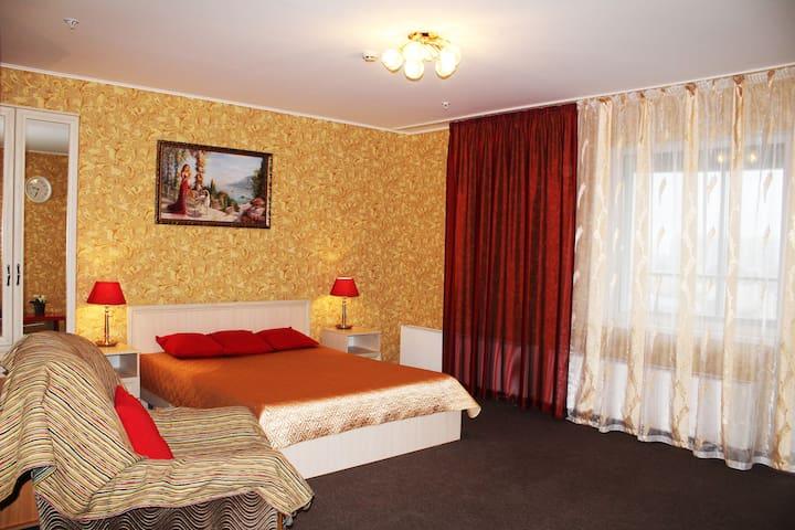 Апартаменты для семьи, командировки, 12 эт