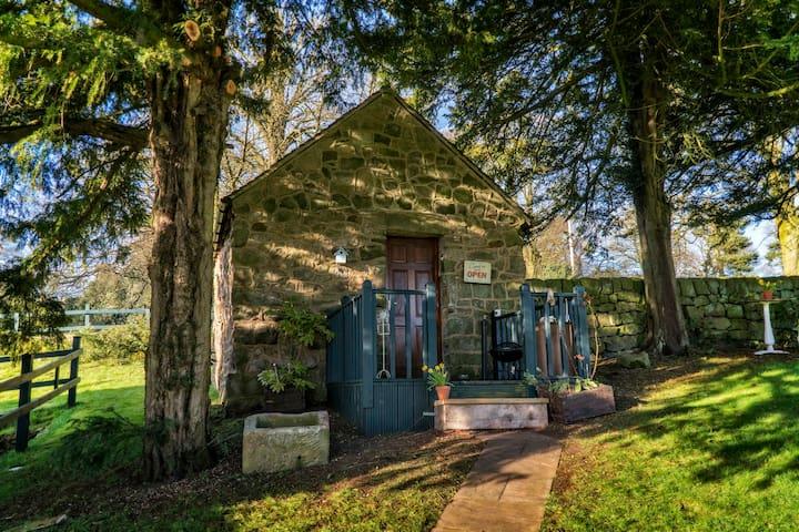 The Piggery - bijou country home