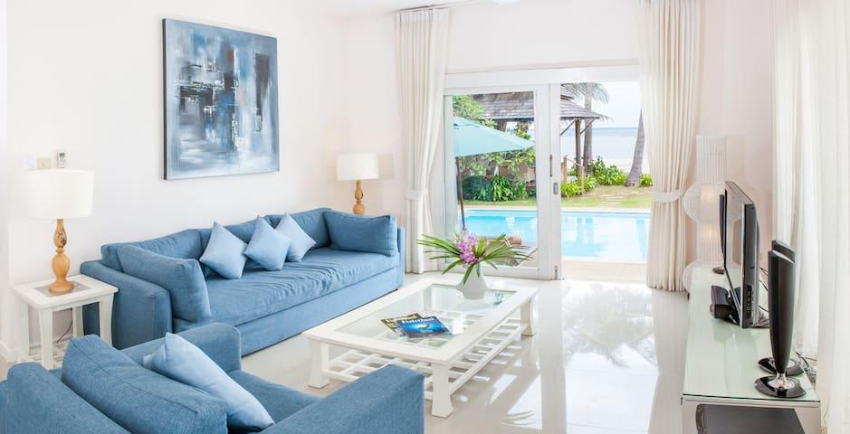 1 Bedroom Beachfront Villa with private pool