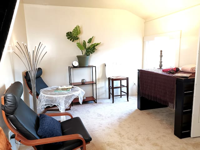 Suite !+Suite! Newly Renovated! Russi h 3 bedrooms