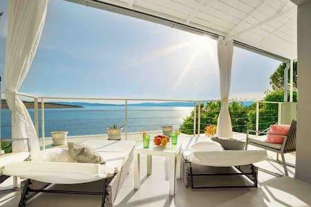 Happy Beach Apartment - Dream on the Beach :)