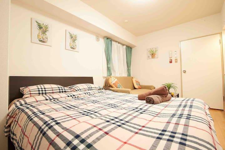 新宿市中心公寓紧邻商业区直达原宿,涉谷等免费Wi-Fi。