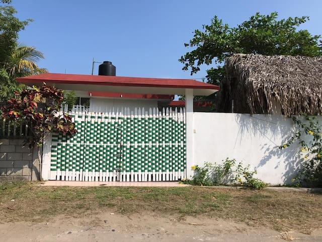 Costa Esmeralda的民宿