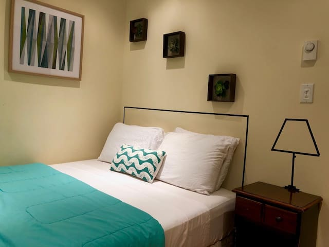 Room at walking distance from Central Park!