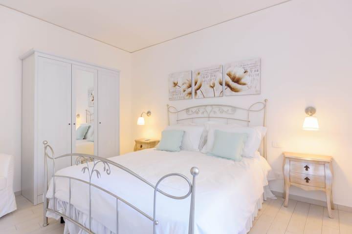 Lucia's flat