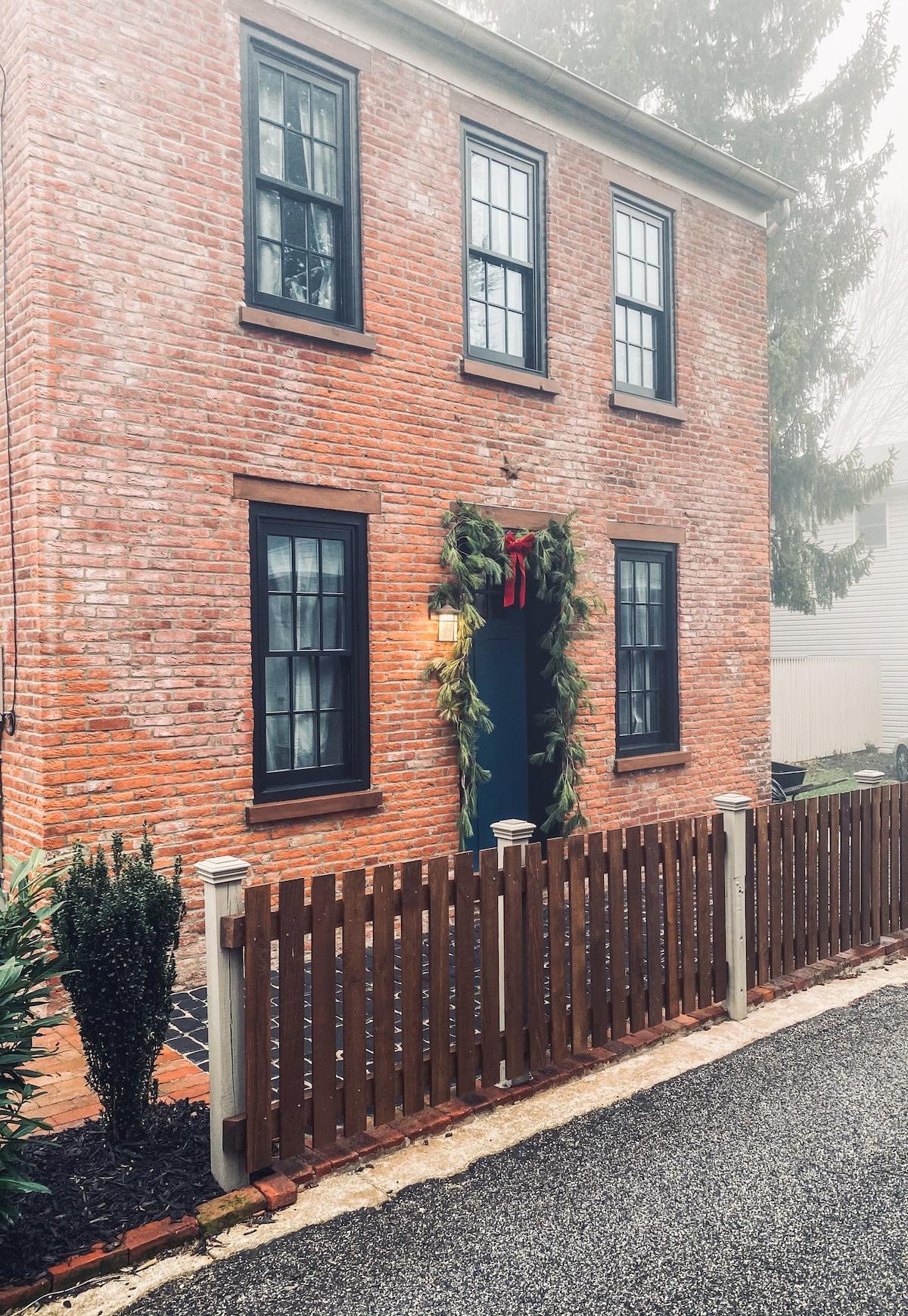 The Little House on Mary Street
