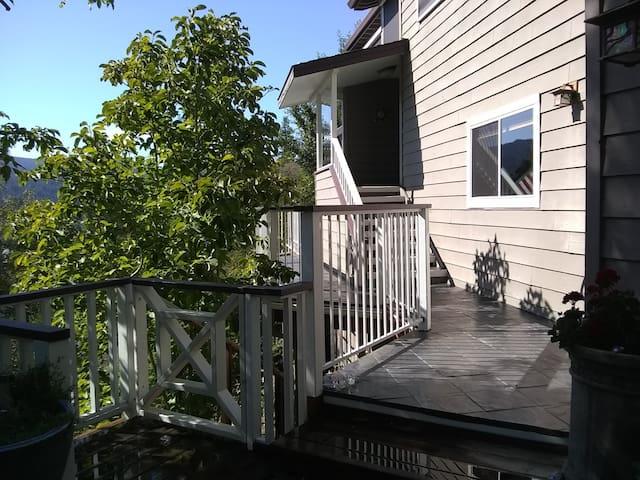 Ridgeline Mountain Home