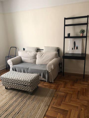 Cute cozy room for single traveler