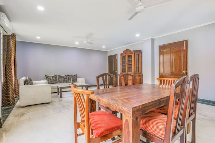 Cosy 4-bedroom bungalow, near Ambience Mall/72609
