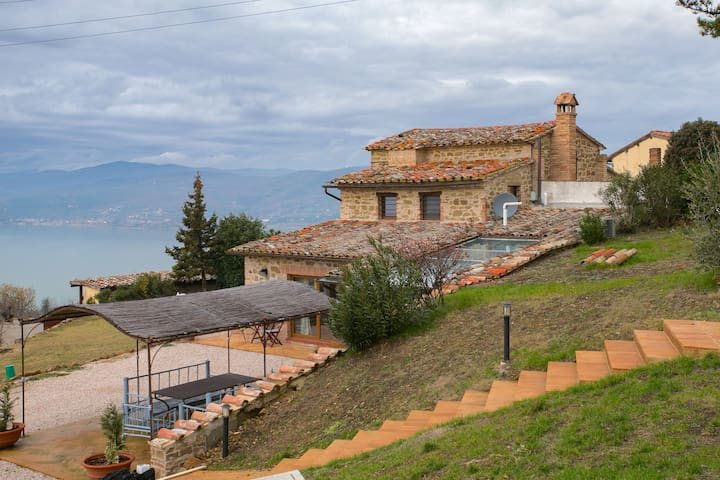 Montecolognola的民宿