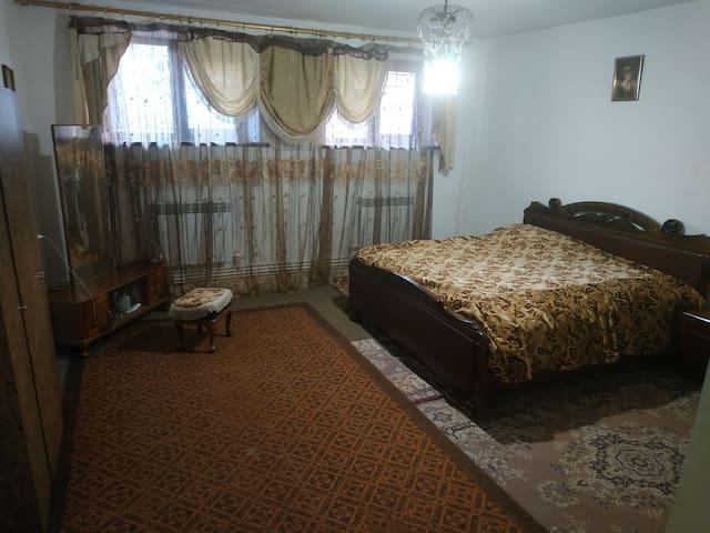 Gharibjanyan的民宿