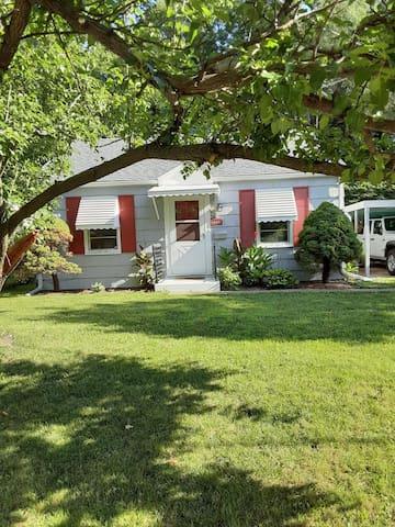 Peoria home 1 wk mini Fenced yard firepit garden