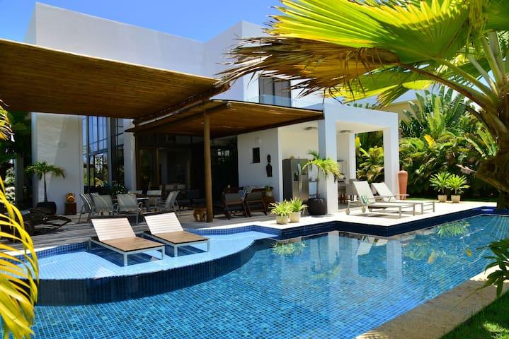 Casa Lindíssima 4 suites na Praia *Iberostate
