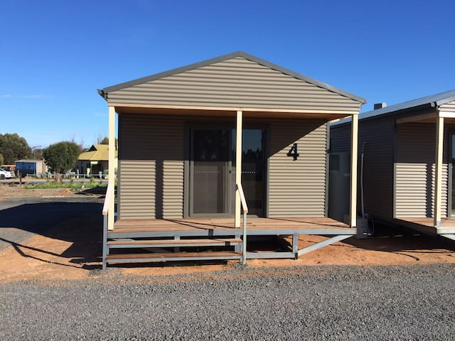 WAGON INN self contained unit 4