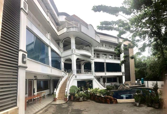 Guinobatan的民宿