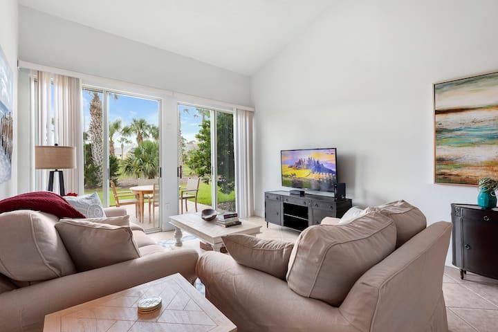 Sawgrass 2 bedrooms villas sleep 6, close to beach