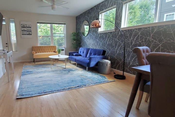 ✴✴ Mod-Chic Apt | Spacious 2BD in heart of PDX ✴✴