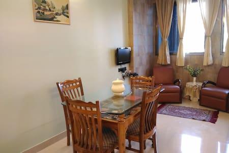 01 BHK apartment in Prabhadevi near Siddhivinayak!