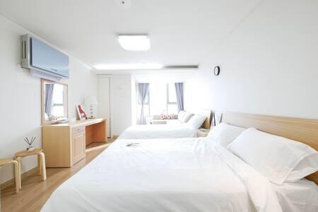 ★[OPEN] Clean house in Dongdaemun DDP, Myengdong★