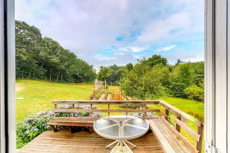 NEW LISTING! Quiet country home w/ bright interior, private deck & large yard!