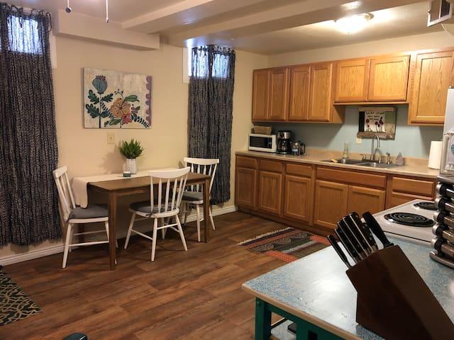 Cozy Private Apartment