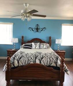 Room #4 MASTER BEDROOM WITH PRIVATE ENSUITE BATH
