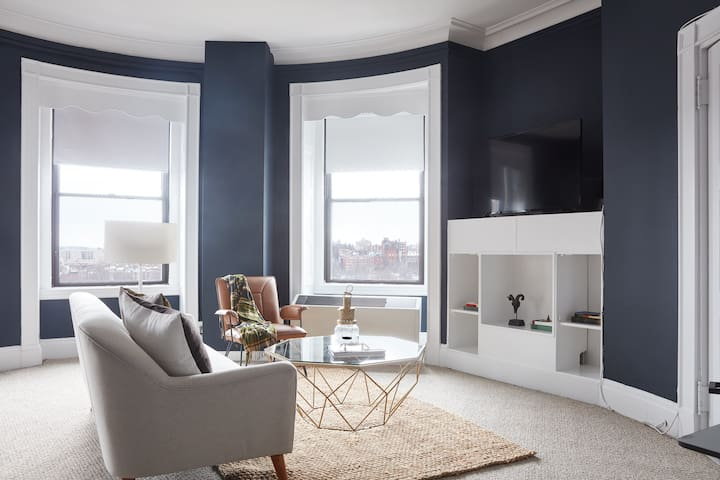 Sonder | Theater District | Charming 1BR