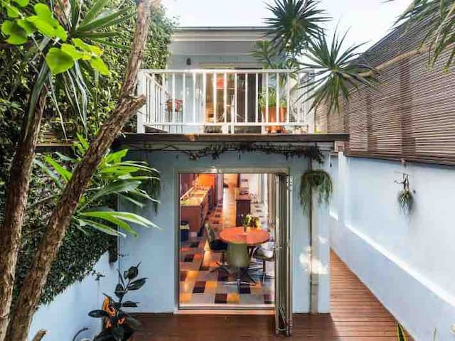 Inner Sydney Modern Terrace- Another Home in SYD