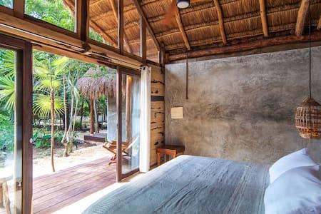 Comfy/AC/Rustic private Jungle town cabin (1 of 5)